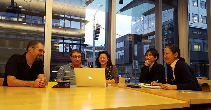 Dr. Kuniko Aizawa (far right) and Dr. Yusuke Inoue (second from right) meet with SCRI and ITHS staff.